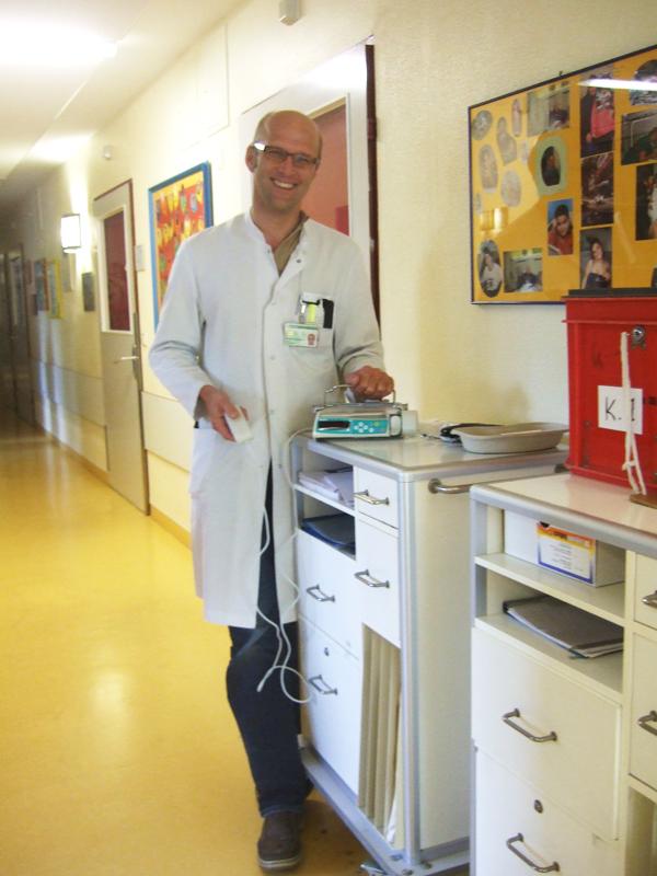 Schmerzpumpe mit Oberarzt Dr. Benedikt Bernbeck